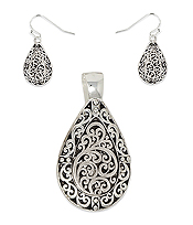 DESIGNER TEXTURED TEARDROP PENDANT EARRING SET