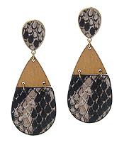 SNAKE SKIN TEXTURED AND WOOD TEARDROP EARRING