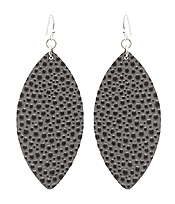 LEATHER TEXTURED EARRING