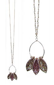 SEQUIN LEAF WIRE HOOP LONG NECKLACE