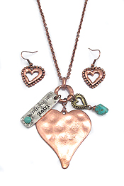 HAMMERED HEART PENDANT NECKLACE SET - LOVE ONE ANOTHER