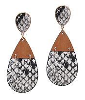 WOOD AND LEATHERETTE TEARDROP EARRING - SNAKE SKIN