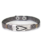 METAL BAR AND WIRE WRAP LEATHER BRACELET - HEART