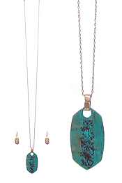 PATINA PEDANT LONG NECKLACE