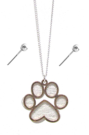 PET LOVERS INSPIRATION SCRATCH METAL PAW EARRING