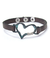 WIRED HEART AND LEATHERETTE BAND BRACELET