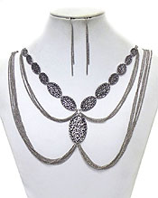 MULTI CHAIN AND TEXTURED METAL OVAL LINK NECKLACE EARRING SET