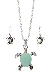 SEA GLASS TURTLE PENDANT NECKLACE SET