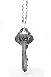 INSPIRATIONAL WORD STAMPED VINTAGE KEY PENDANT NECKLACE - LOVE