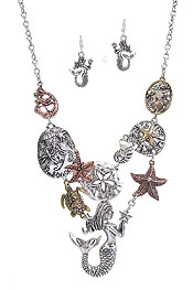 SEALIFE THEME MERMAID AND TURTLE BIB NECKLACE SET