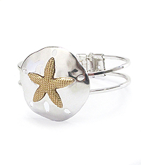 SAND DOLLAR HINGE BANGLE BRACELET