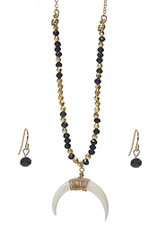SHELL TUSK PENDANT AND MULTI BEAD CHAIN NECKLACE SET