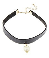 PEARL DROP SUEDE LEATHER CHOKER NECKLACE