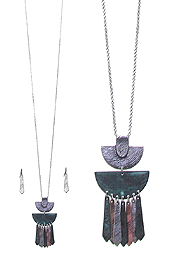 TEXTURED METAL BAR DROP PENDANT LONG NECKLACE SET
