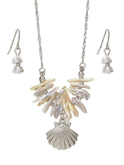 SHELL BEAD AND SHELL PENDANT NECKLACE SET