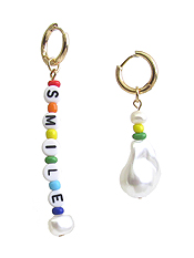 BAROQUE PEARL AND MULTI BEAD EARRING - SMILE