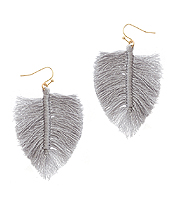 THREAD MONSTERA LEAF EARRING