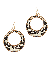 ANIMAL PRINT RATTAN HOOP EARRING