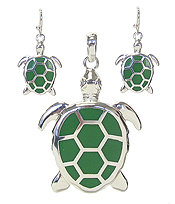 TURTLE PENDANT AND EARRING SET