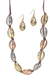METAL COWRY SHELL LINK NECKLACE SET