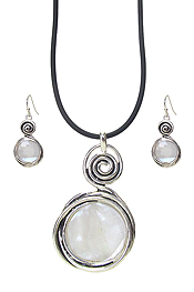 SWIRL SHELL PENDANT NECKLACE SET