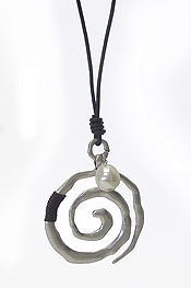 HAMMERED METAL SWIRL PENDANT AND LONG LEATHER CHAIN NECKLACE