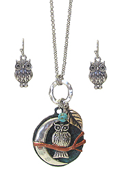 OWL AND MOON PENDANT NECKLACE SET