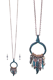 MULTI FEATHER AND ARROW CHARM PENDAN LONG NECKLACE SET
