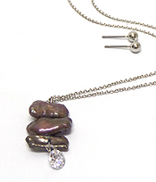 NATURAL SHELL AND CUBIC ZIRCONIA PENDANT NECKLACE SET