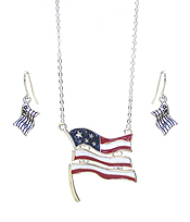 PATRIOTIC AMERICAN FLAG PENDANT NECKLACE SET