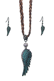 WESTERN STYLE ANGEL WING TOGGLE BRAIDED SUEDE NECKLACE SET