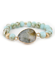 AGATE AND FACET STONE STRETCH BRACELET