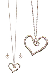 WIRE WRAP HEART PENDANT LONG NECKLACE SET