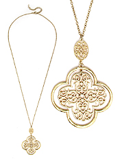 METAL FILIGREE QUATREFOIL PENDANT LONG NECKLACE