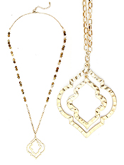 HAMMERED DOUBLE QUATREFOIL PENDANT BEAD CHAIN LONG NECKLACE