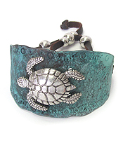 METAL TEXTURED WITH TURTLE PULL AND TIE BRACELET