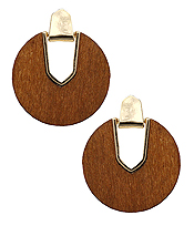 NATURAL WOOD DISC EARRING