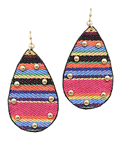 STITCH SERAPE PATTERN TEARDROP EARRING
