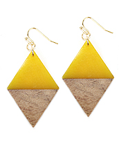 RESIN AND WOOD EARRING - DIAMOND
