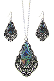 DESIGNER TEXTURED ABALONE PENDANT NECKLACE SET - QUATREFOIL