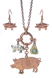 FARM ANIMAL THEME LONG NECKLACE SET - PIG