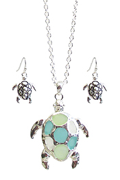 SEAGLASS TURTLE PENDANT NECKLACE SET