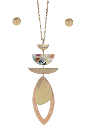 ORGANIC CELLULOSE AND METAL MIX PENDANT LONG CHAIN NECKLACE SET