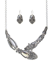 UTENSIL SPOON  TEXTURE NECKLACE SET