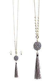 ANIMAL PRINT PENDANT AND TASSEL DROP LONG NECKLACE SET