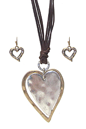 HAMMERED HEART PENDANT AND MULTI CORD NECKLACE SET