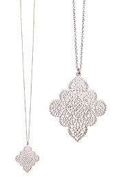 METAL FILIGREE PENDANT LONG NECKLACE