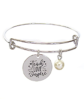 INSPIRATION MESSAGE STAMP DISC CHARM WIRE BANGLE BRACELET - TEACH LOVE INSPIRE