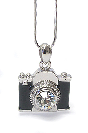 WHITEGOLD PLATING CRYSTAL STUD MINIATURE CAMERA PENDANT NECKLACE