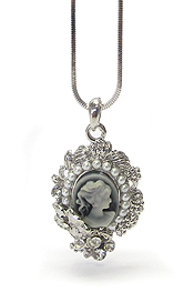 WHITEGOLD PLATING CRYSTAL AND PEARL STUD CAMEO PENDANT NECKLACE
